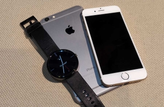 Google Is Making Android Wear Compatible With The iPhone – Will It Affect Apple Watch Sales ?