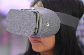 Google Inveils its Daydream View VR Headset